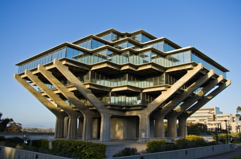 """Geisel Library"" by Antoine Taveneaux (Own work) is licensed under CC BY-SA 3.0"